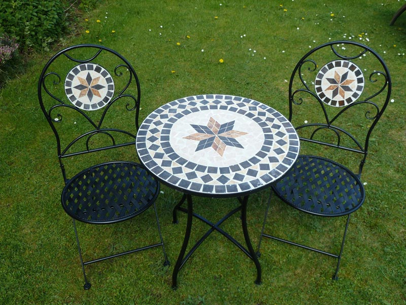Comfy and Cool Patio Bistro Sets Online!