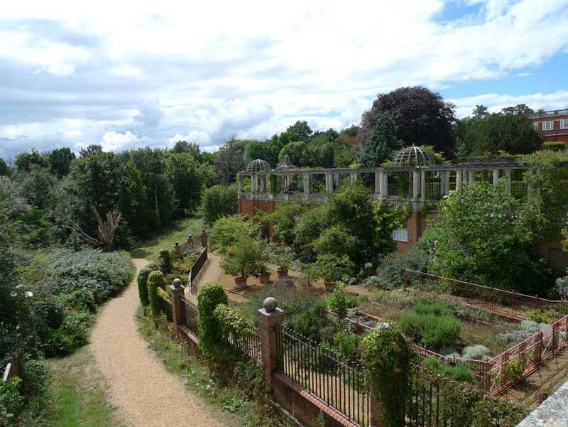 Pergola Garden Hampstead