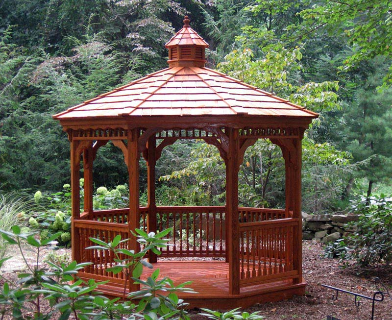 Tips for wooden gazebo development in garden