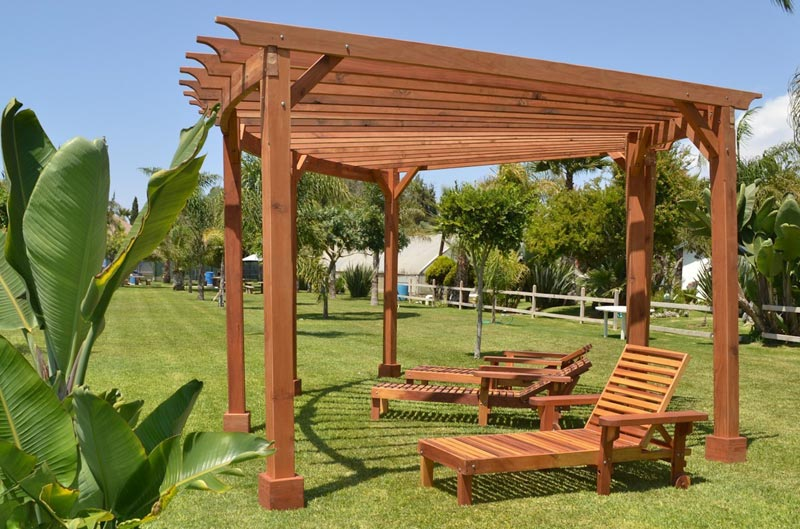 Build Triangular Pergola