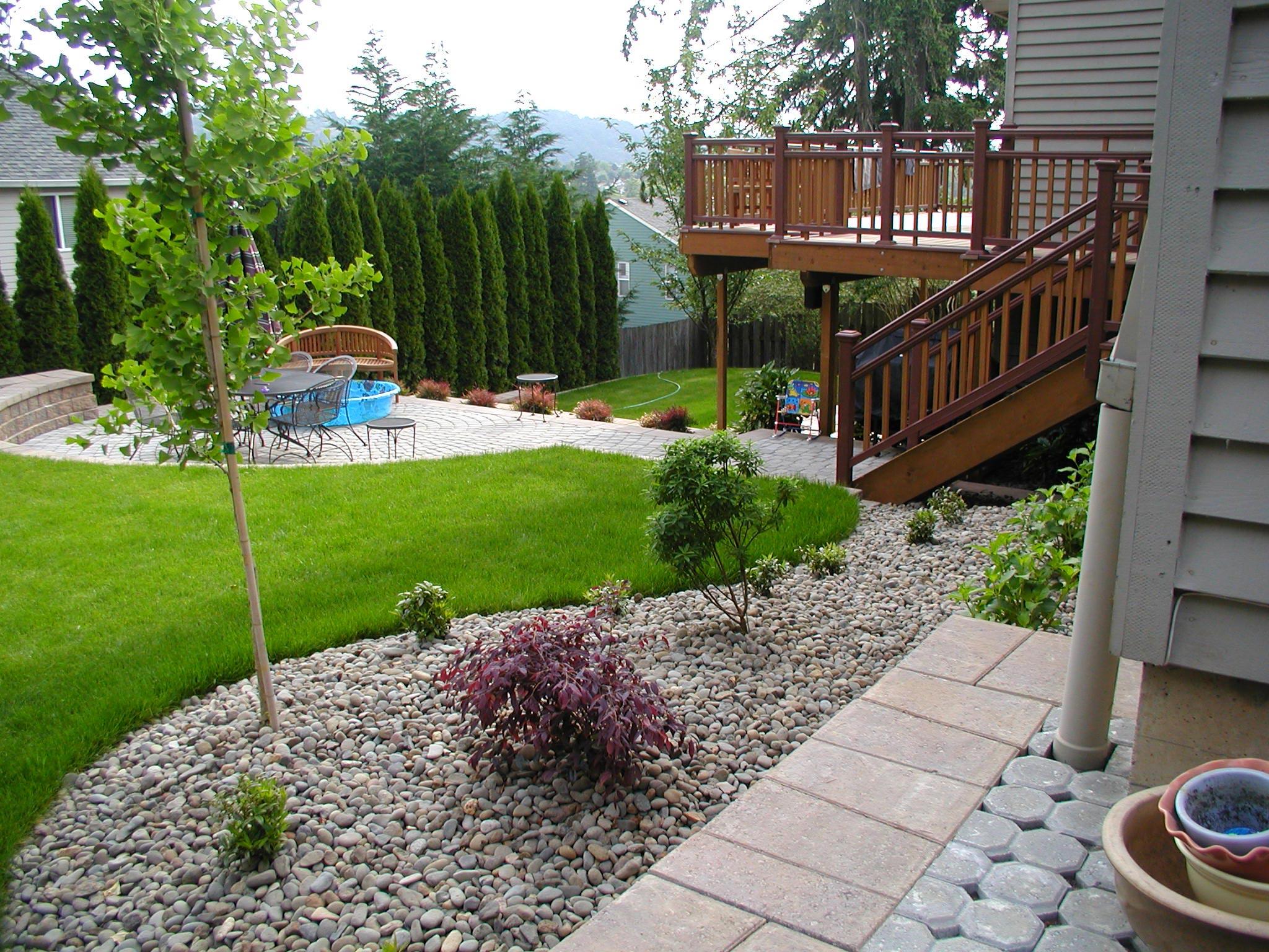 Landscape design ideas around patio