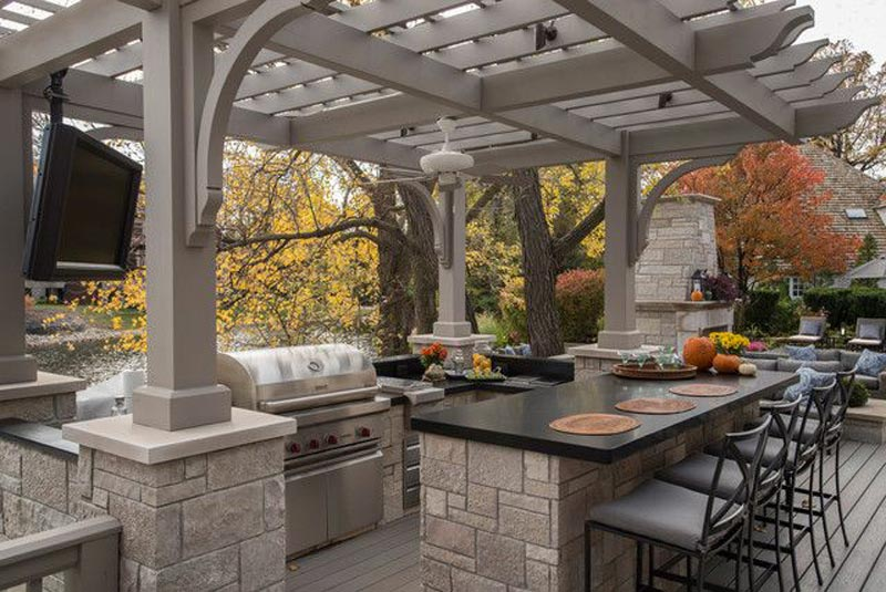 BBQ Pergola For A More Convenient Outdoor Space