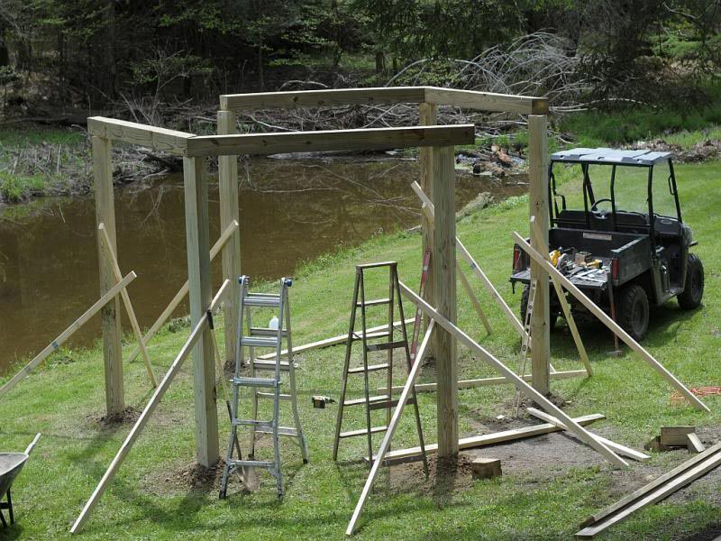 Building hexagonal pergola