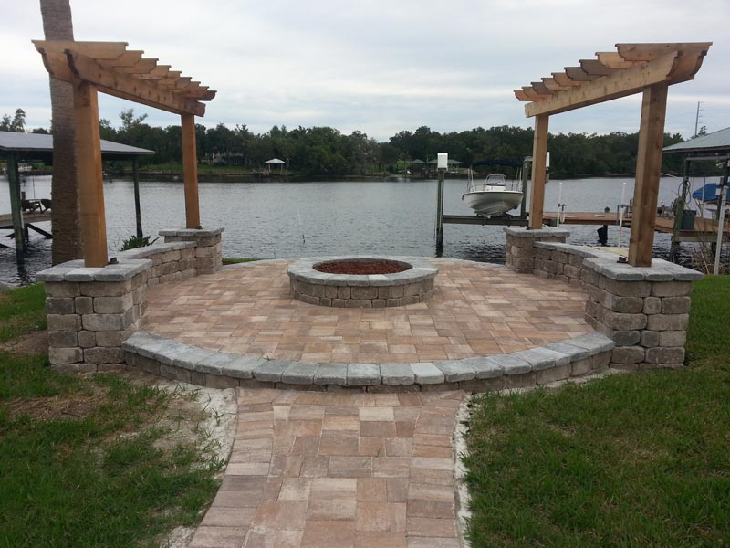 Concrete patio with fire pit ideas