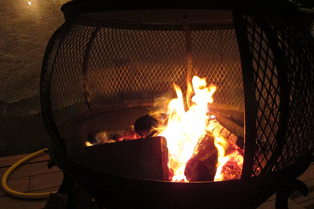 wood fire flames burn firepit 2011 canons95