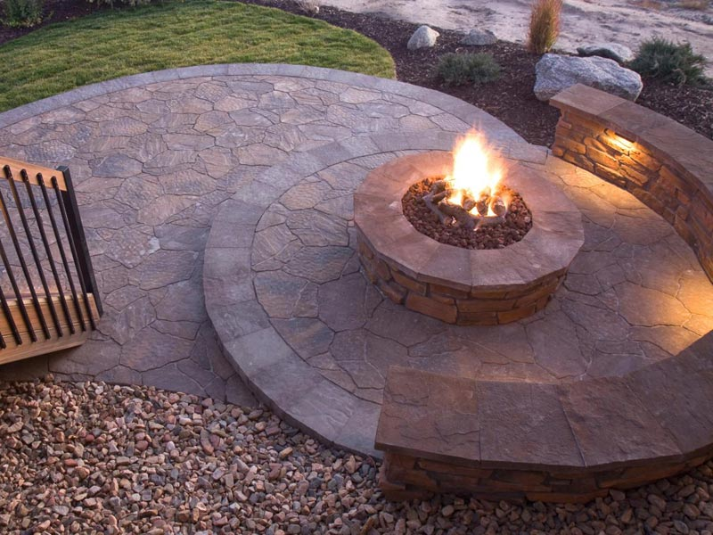 Outdoor patio designs with fire pits