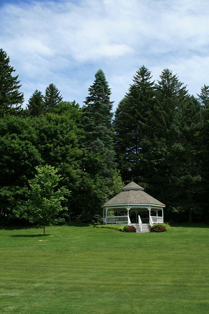 trees sky grass kitlens gazebo bandstand firs littleton littletonma canonefs1855mmf3556iiusm rebelxti fayepark
