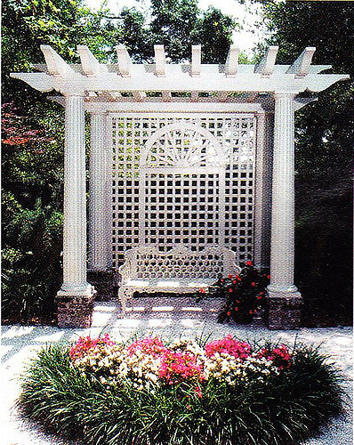 garden structure pergola