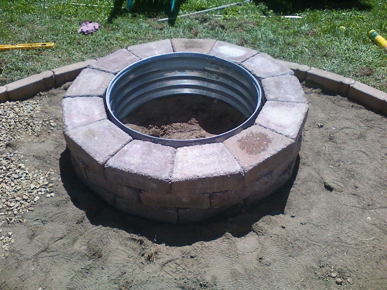 Fantastic homemade brick fire pit garden landscape for What kind of bricks for fire pit