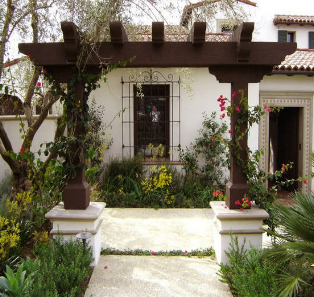 small backyard pergola