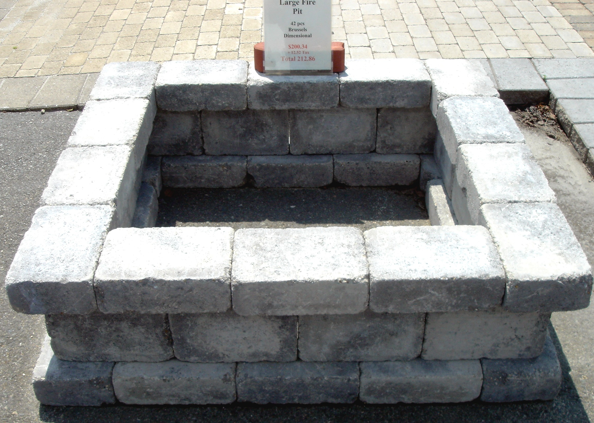 Fantastic concrete blocks for fire pit garden landscape for How to build a fire pit with concrete blocks