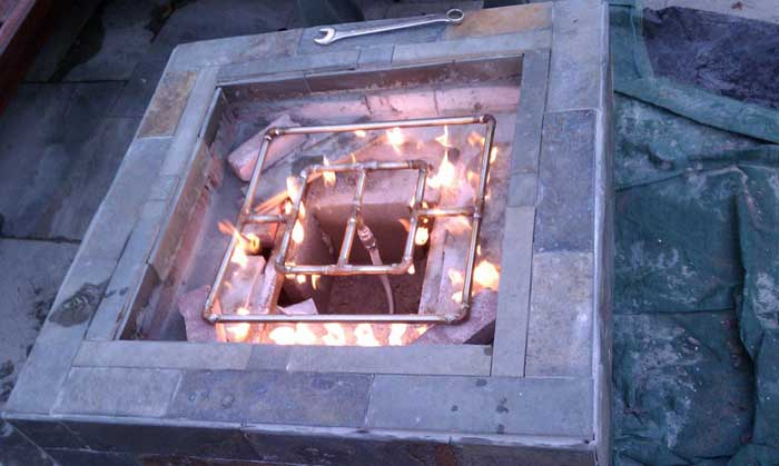 Gas outdoor fire pit burners