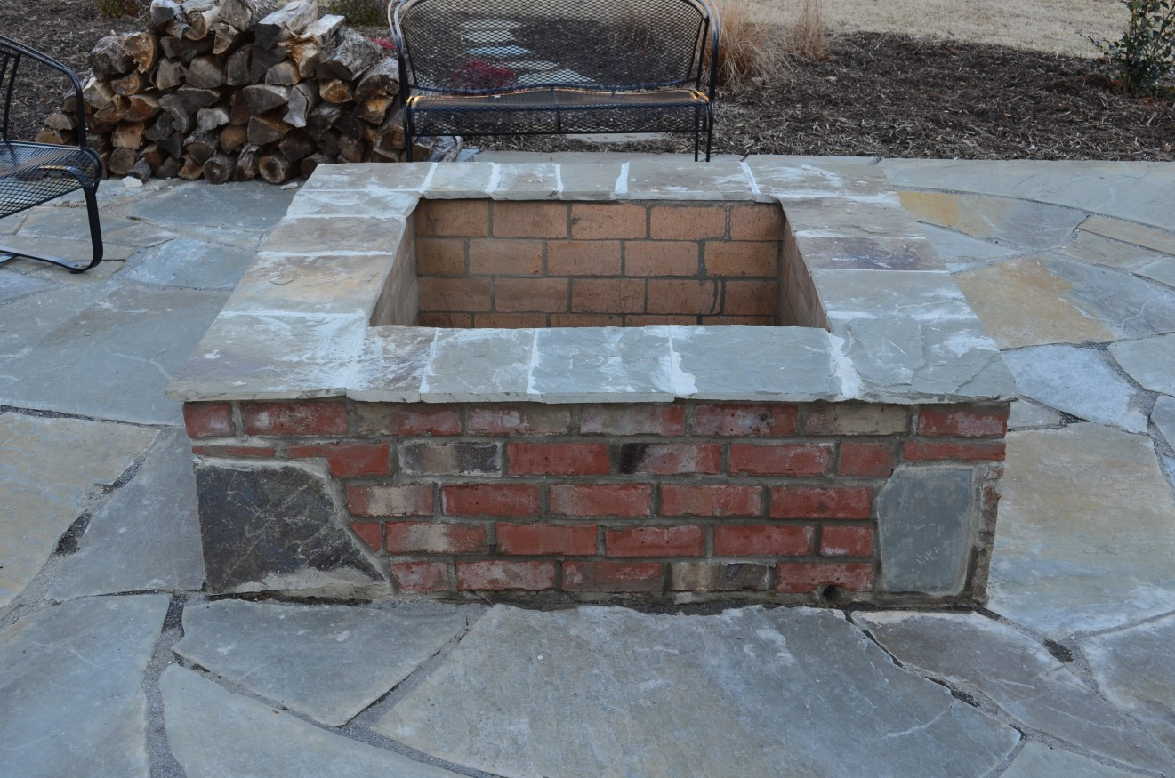 Astonishing square brick fire pit designs garden landscape for Brick fire pit construction
