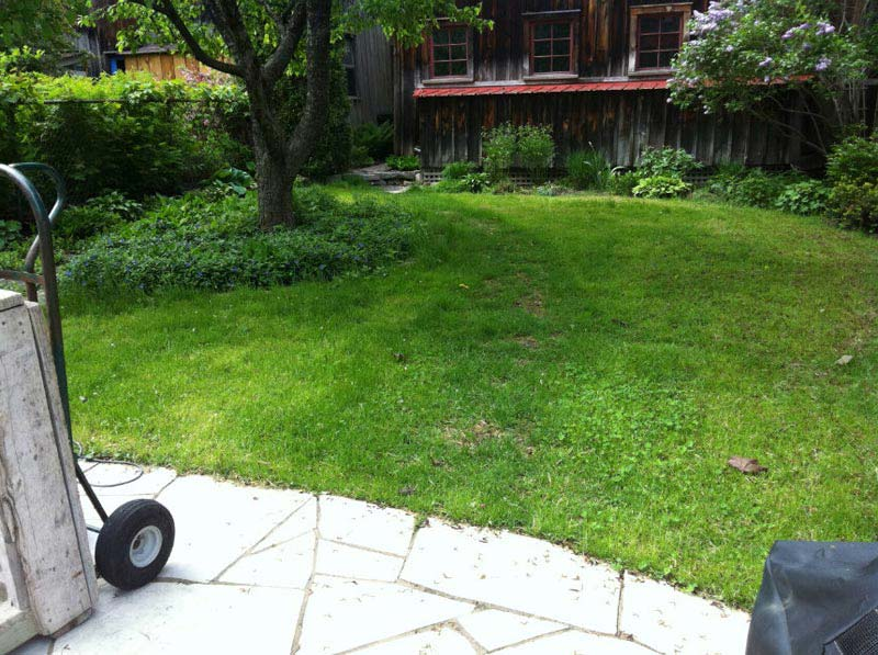 How To Lay Patio Stones In Grass