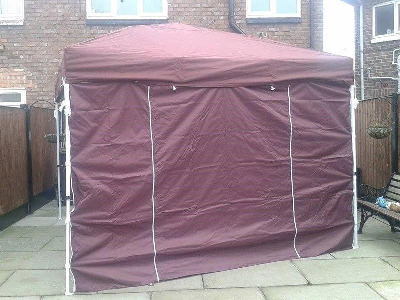 Instant pop up gazebo with sides