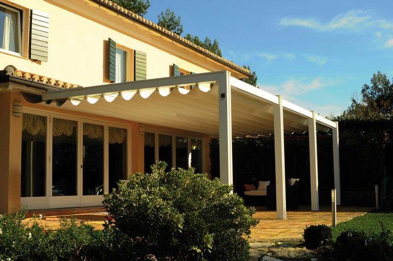 Build a retractable roof pergola