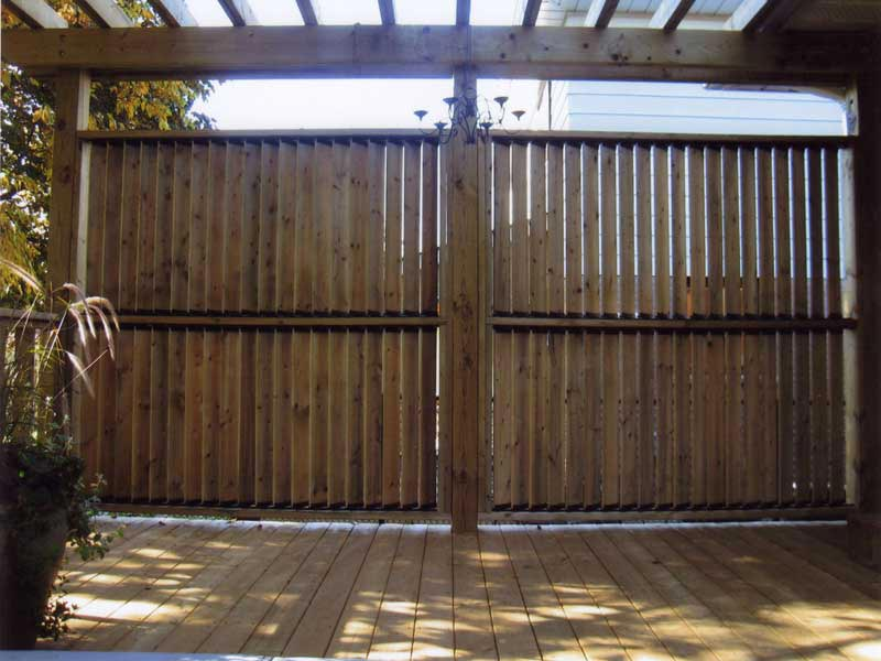 Pergola Fence For Sufficient Level Of Privacy In Your Garden